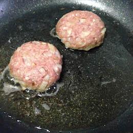 フリルがかわいいロロロッサバーガーレシピ